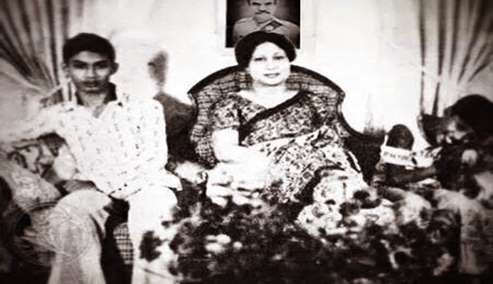 দুই পুত্রসহ বেগম খালেদা জিয়া